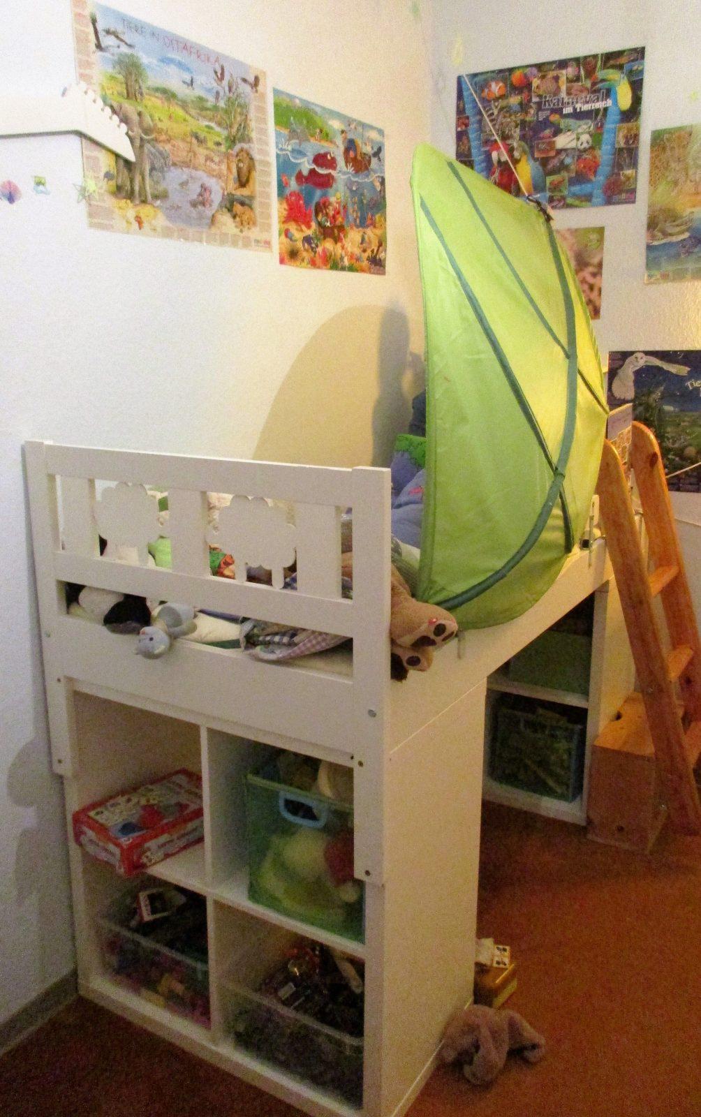 Hochbett Selber Bauen 2X Kallax Regal Von Ikea Unter Das Bett von Hochbett Leiter Selber Bauen Bild