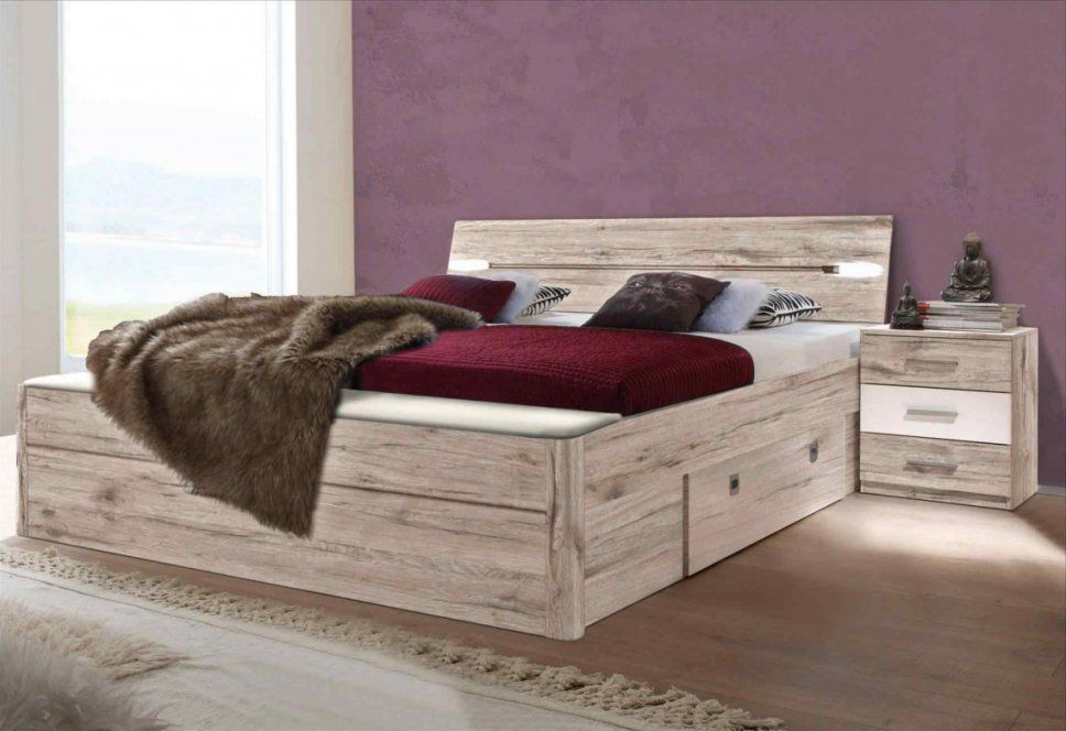 Hocker Vor Dem Bett Good Perfect Sitzbank Vorm Bett Bank Home Story von Hocker Vor Dem Bett Photo