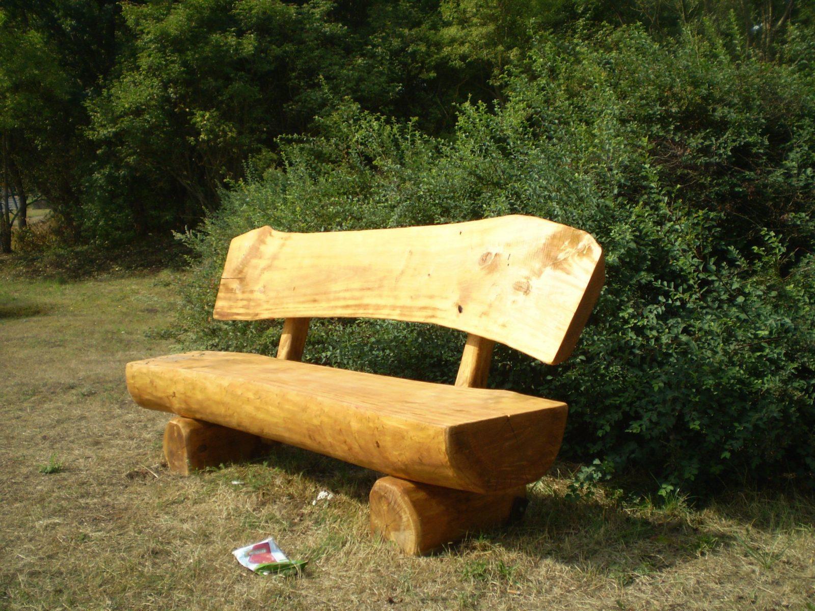Holzbank Selber Bauen Rustikal Mit Rustikale Gartenmöbel Aus von Holzbank Selber Bauen Rustikal Bild
