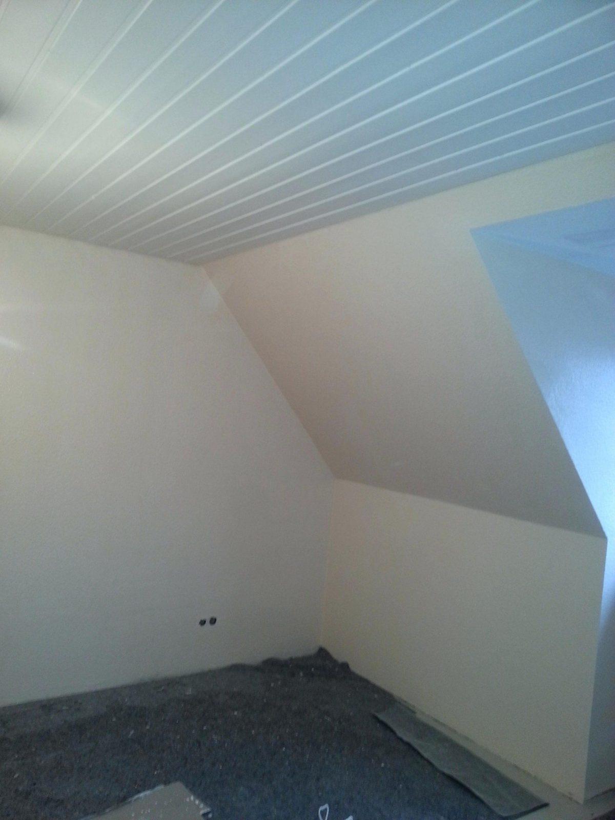 Holzdecke Streichen Lackierte Ohne Schleifen Mit Wandfarbe Weiss Farbe Von  Holzdecke Mit Wandfarbe Streichen Photo