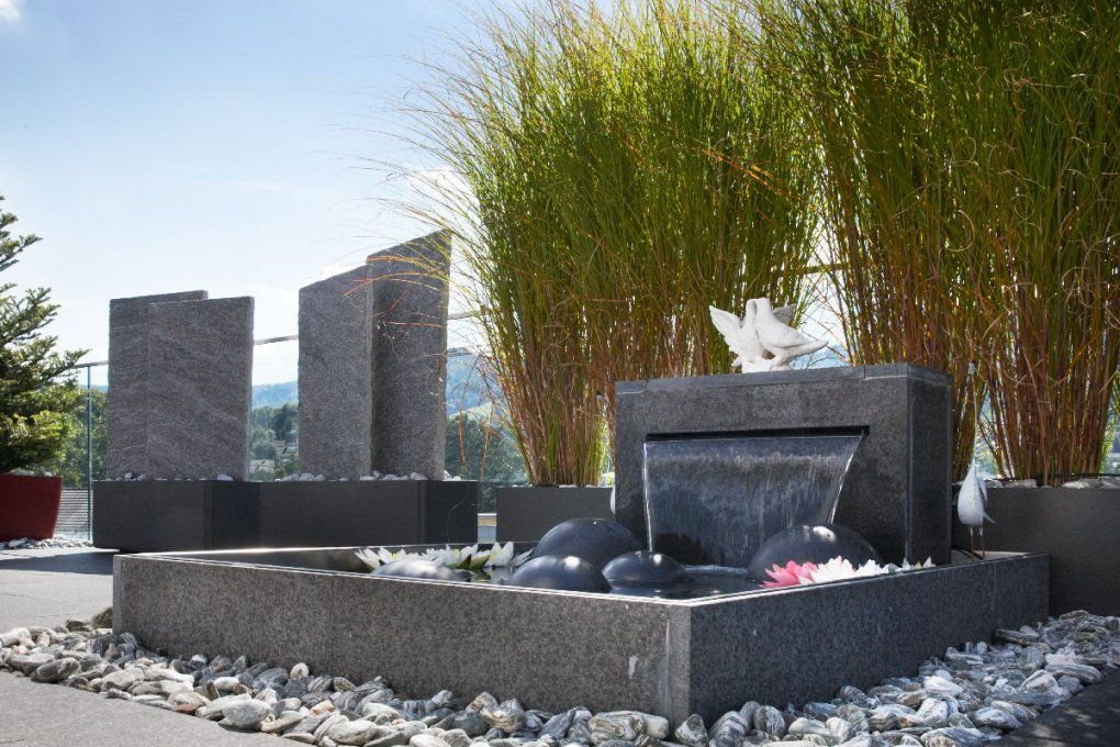 Individuelle Wasserspiele Für Terrassen Balkone Und Gärten  Bacher von Moderne Wasserspiele Für Den Garten Bild