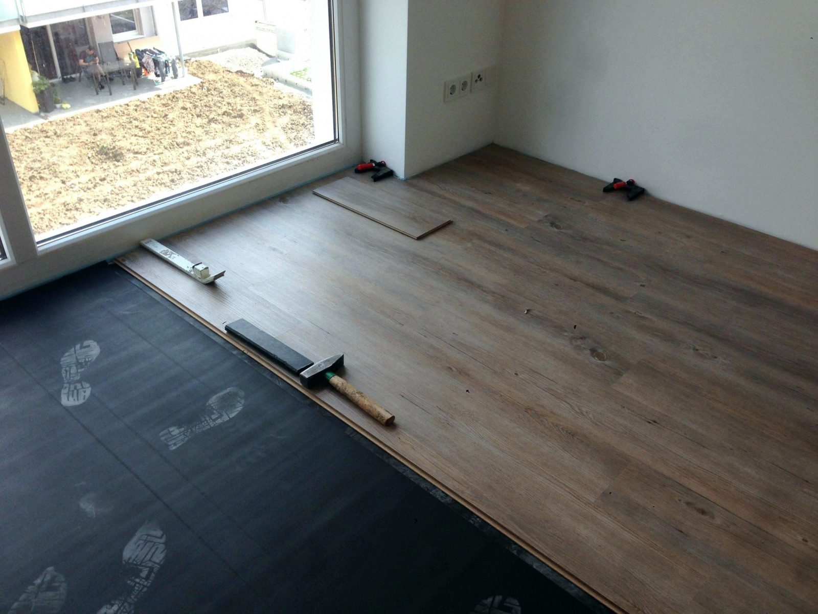 vinylboden auf fliesen fussbodenheizung haus design ideen. Black Bedroom Furniture Sets. Home Design Ideas