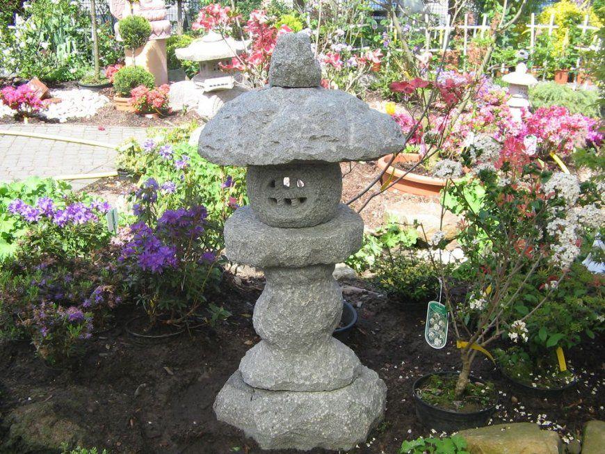 Garten mit zierkies gestalten sch n sch n garten mit for Japanische deko garten