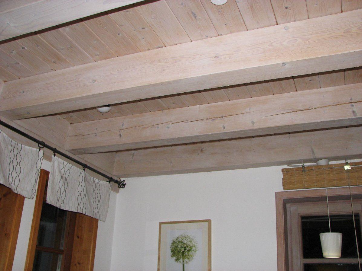 Jetzt Holzdecke Weiß Streichen — Naturalfarben Aktuell von Braune Holzdecke Weiß Streichen Bild
