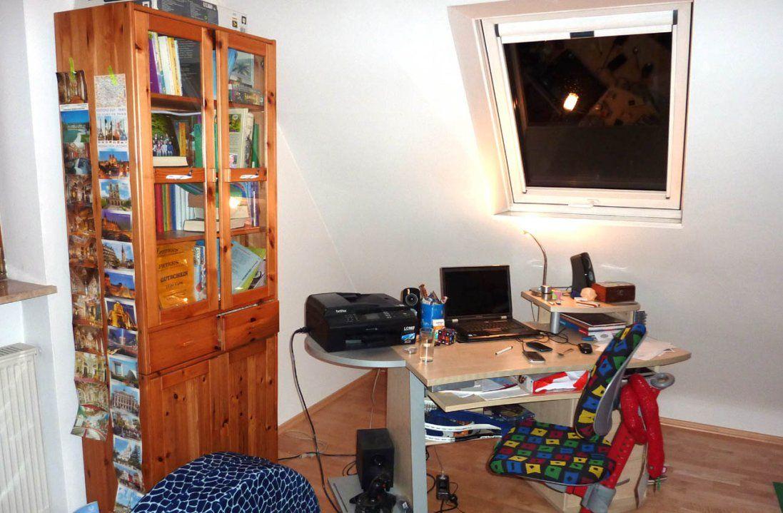 Jugendzimmer Dachschräge  Dachzimmer Einrichten von Jugendzimmer Einrichten Mit Dachschräge Bild
