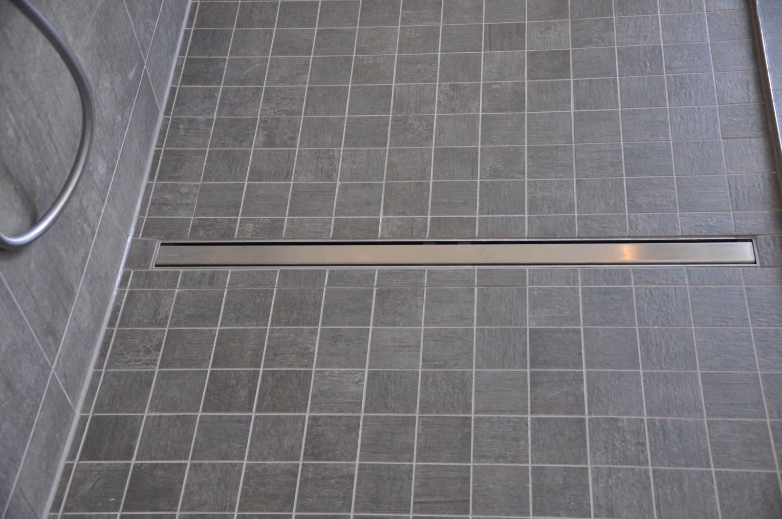 Keramikplatten In Splitt Verlegen Frisch Begehbare Dusche Mit Mosaik von Mosaik Fliesen Für Dusche Photo