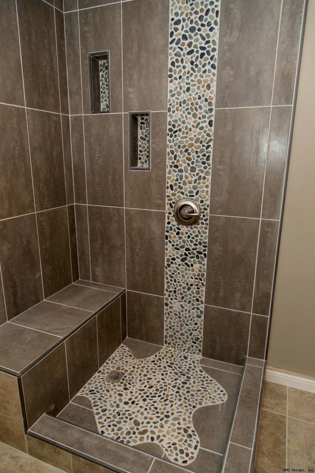 Kieselstein Fliesen Flusskiesel Kieselmosaik Matten Dusche Reinigen von Mosaik Fliesen Dusche Reinigen Bild