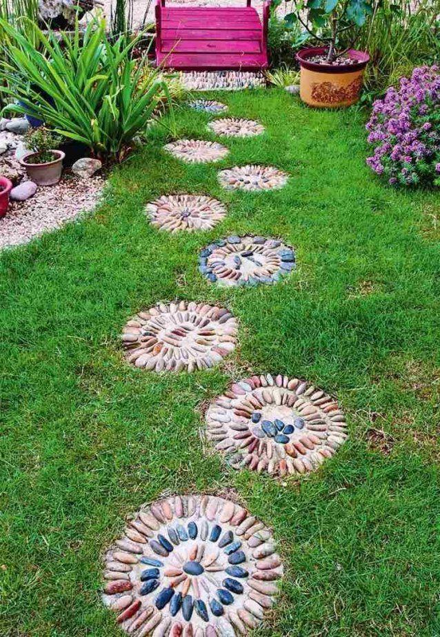 Kieselstein Mosaik Im Garten Legen Für Hübsche Wege & Terrassen von Mosaik Im Garten Selber Machen Photo