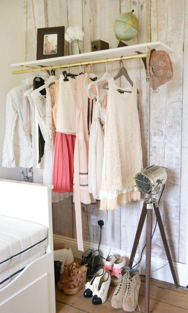Kleiderstange Statt Kleiderschrank  Ideen Für Modeliebhaber von Kleiderstange Aus Holz Selber Bauen Bild
