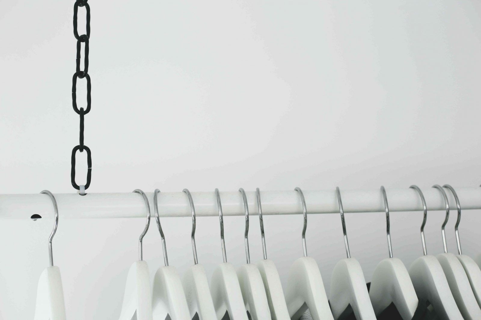 Kleiderstangediydeckehaengendwardrobeidea  Do & Live von Kleiderstange Von Der Decke Bild