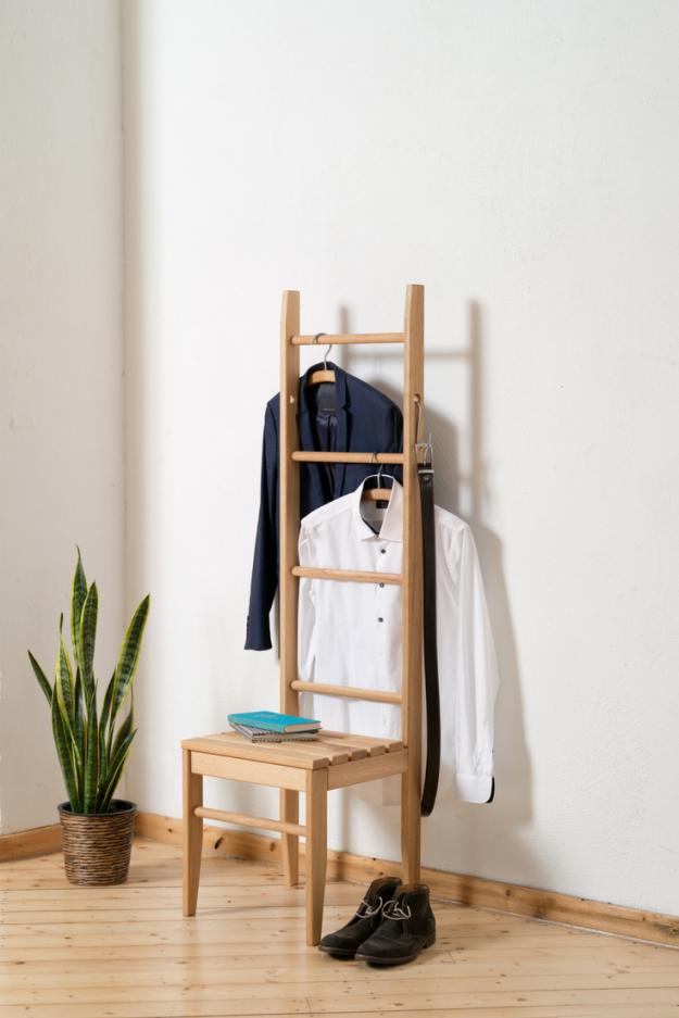 Kleiderstuhl  Kleiderleiter Herrendiener Und Diener von Ablage Für Kleidung Im Schlafzimmer Bild