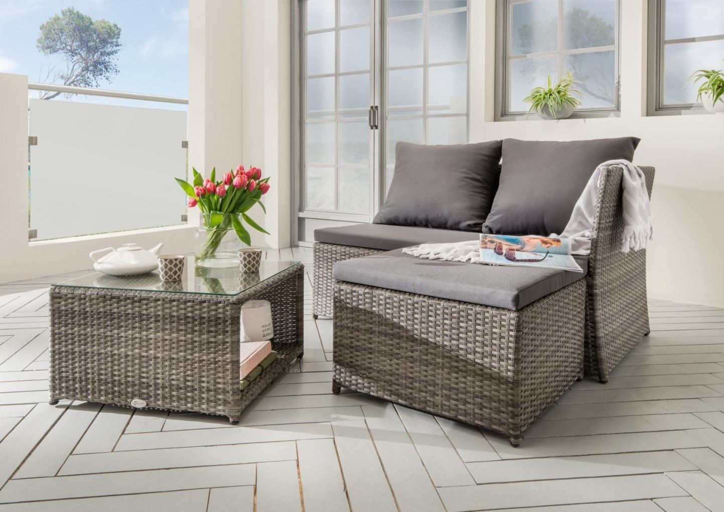 bemerkenswert lounge m bel f r kleinen balkon kleine balkone moebel von loungem bel f r kleinen. Black Bedroom Furniture Sets. Home Design Ideas