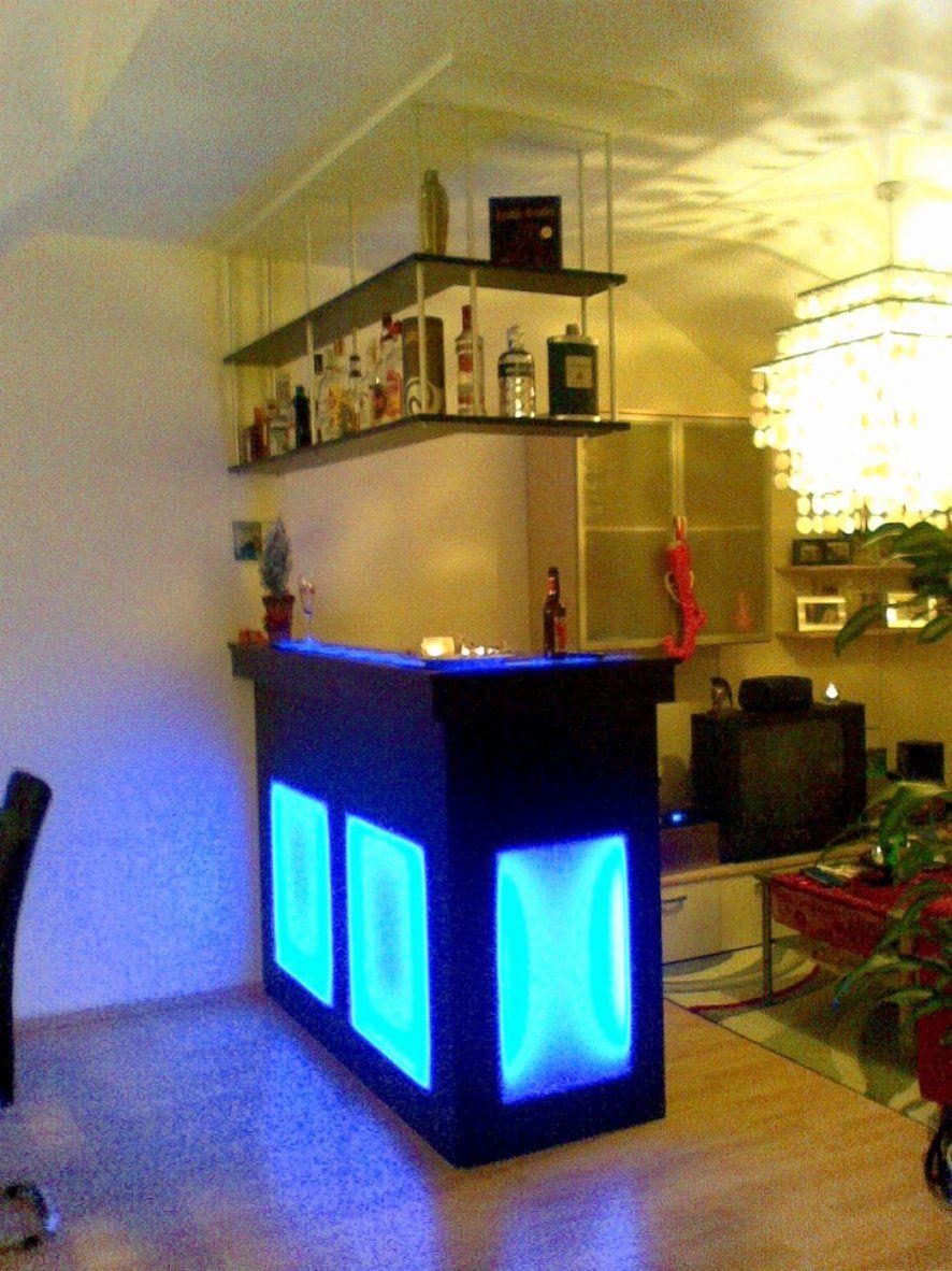 Kleine Möbel Ehrfürchtig Nett Bar Furs Wohnzimmer Malerei Raum Aus M von Kleine Bar Fürs Wohnzimmer Bild