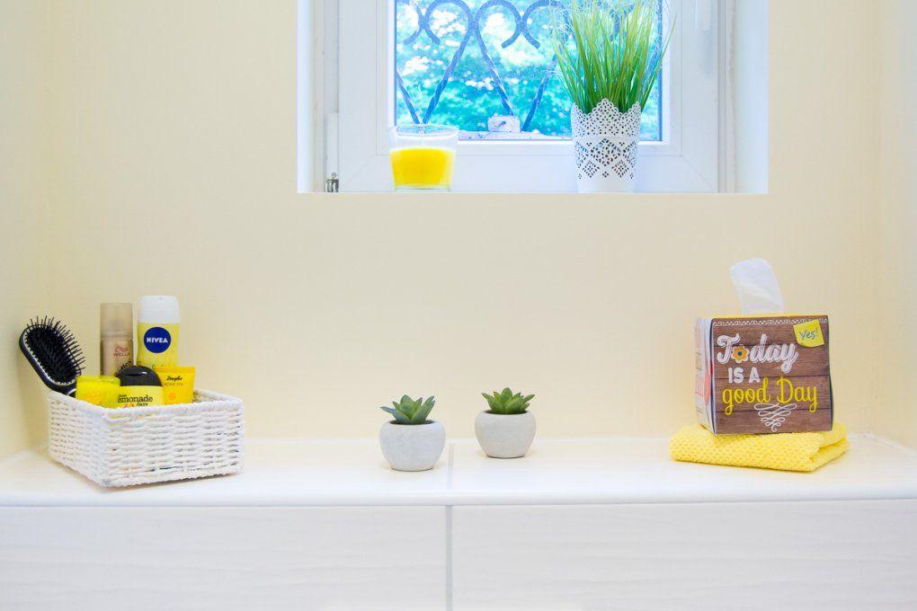 Kleiner Raum Große Gastfreundlichkeit  Herzlich Willkommen Im Gäste Wc von Deko Für Gäste Wc Bild