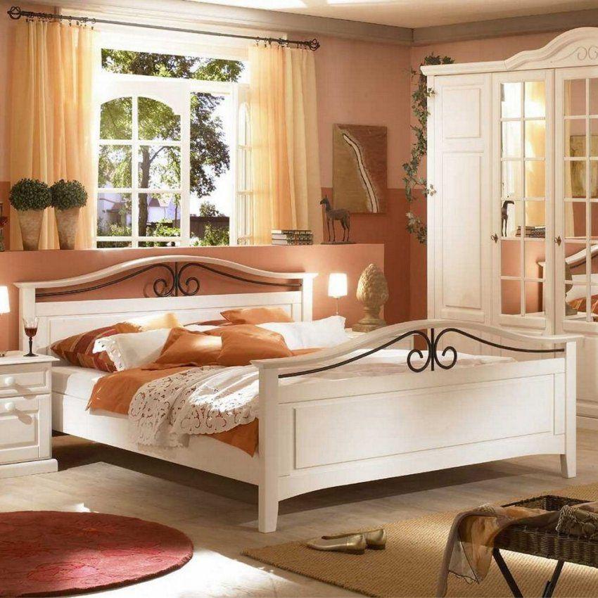 Komplettes Landhaus Schlafzimmer Mariana  Pharao24 von Landhaus Schlafzimmer Komplett Massiv Bild