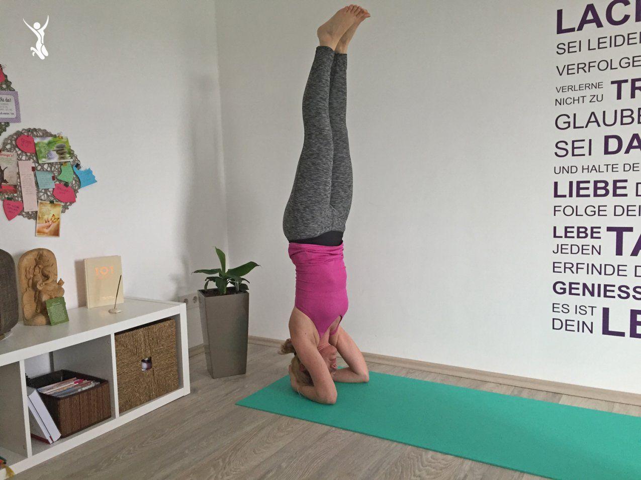 Kopfstand Lernen 6 Geniale Tipps Wie Ihr Den Kopfstand Im Yoga von Yoga Lernen Zu Hause Bild