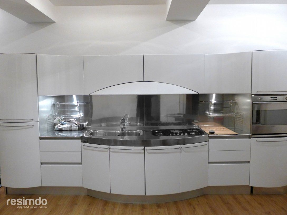 Küche Folieren  Rot Zu Weiß Hochglanz  Resimdo von Küche Lackieren Oder Bekleben Photo