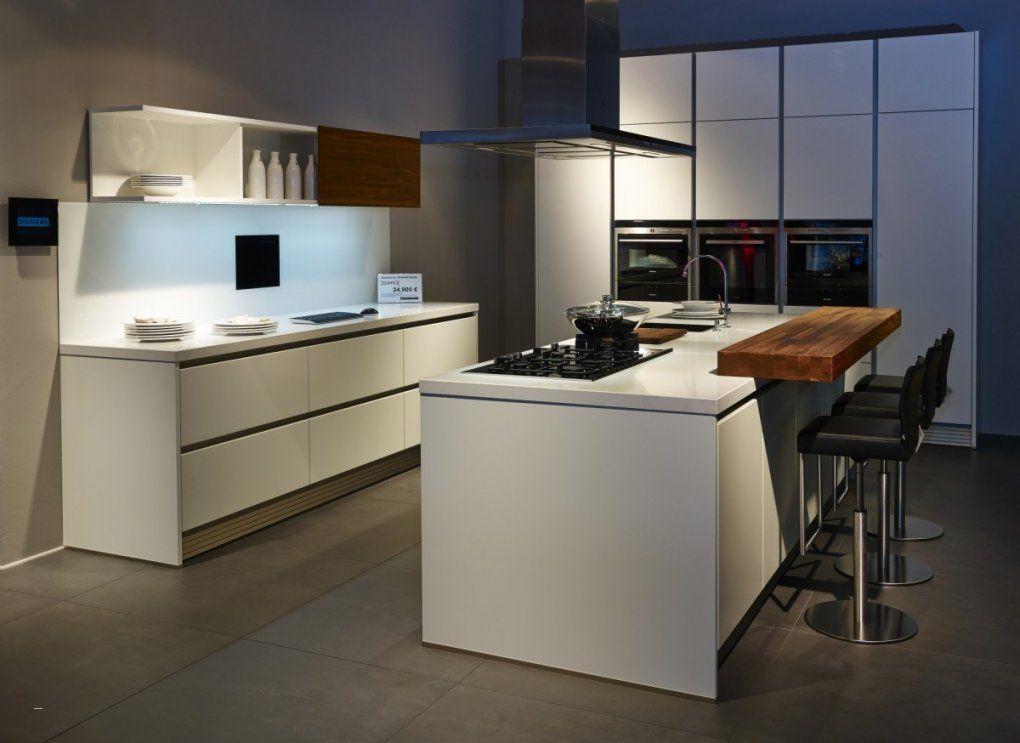 Küche Weiß Schwarz Schön Kuche Mit Insel Moderne Kchen Attent Küche von Küche Mit Kochinsel Gebraucht Bild