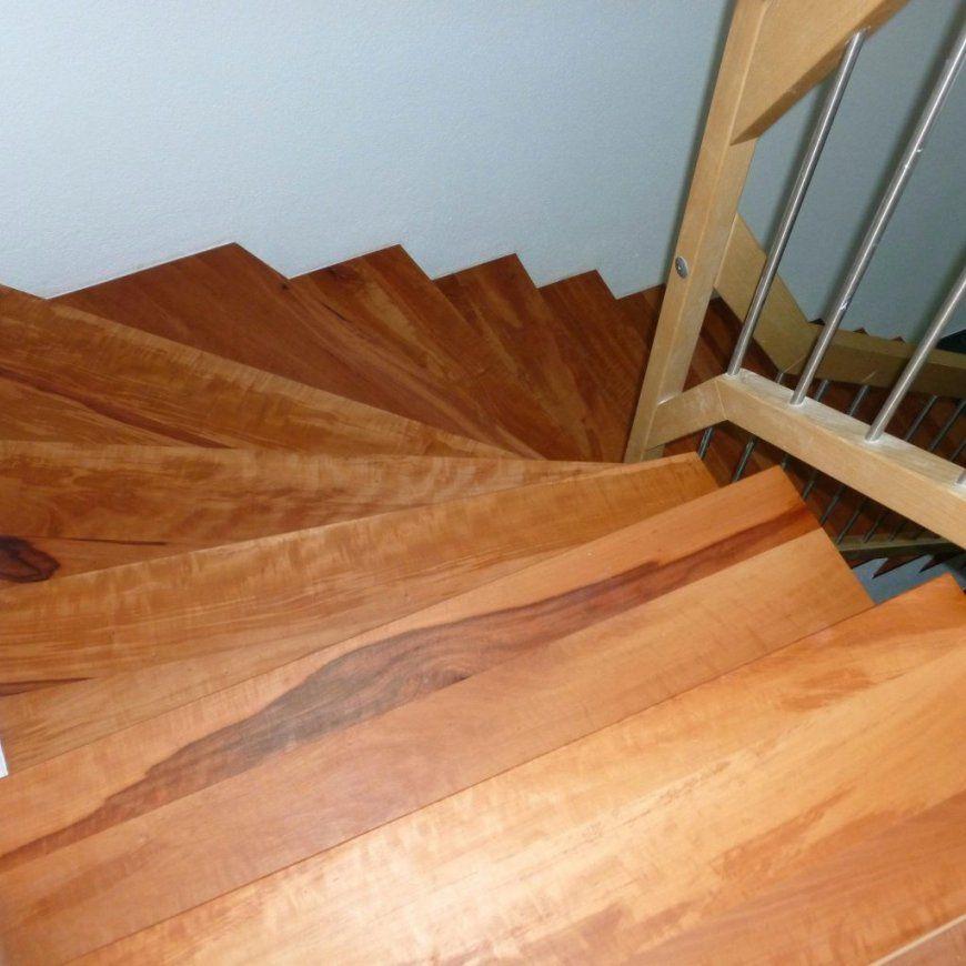 Laminat Auf Treppe Oben Parkett Kork Keramische Bodenplatten Und von Treppe Mit Laminat Verkleiden Anleitung Photo