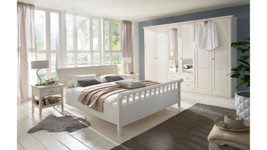Landhaus Schlafzimmer Komplett  Uruenavilladellibro von Landhaus Schlafzimmer Komplett Massiv Photo