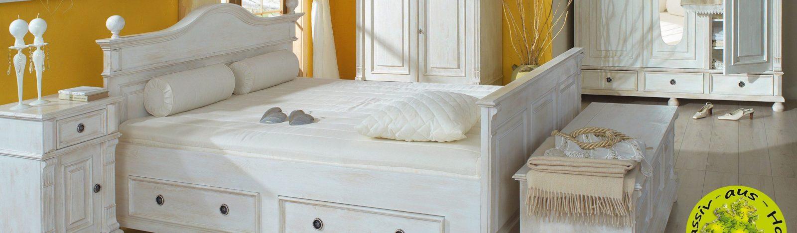 Landhausmoebel  Shabby Chic Alt Weiß Von Massiv Aus Holz  Homify von Bett Shabby Chic Weiß Photo