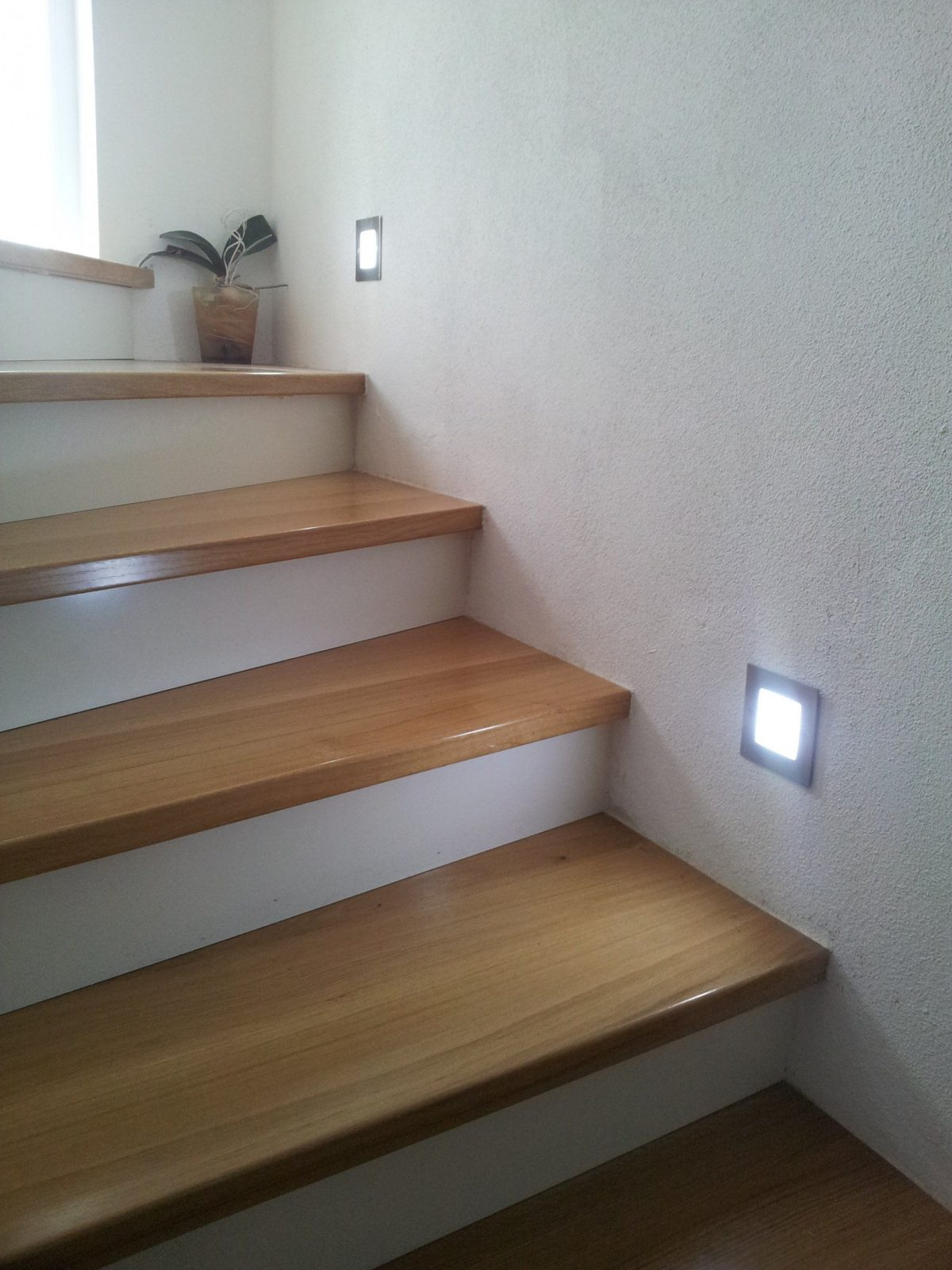 Led Treppenbeleuchtung  Led Flurbeleuchtung  Led Orientierungslicht von Treppenlicht Mit Bewegungsmelder 230V Bild