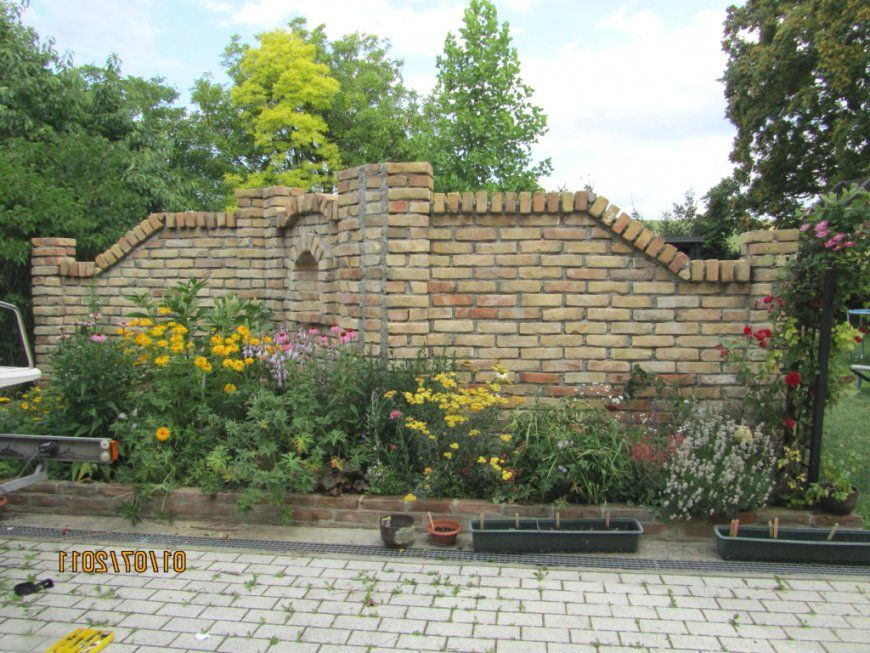 Lofty Inspiration Deko Mauer  Moderne Dekoration Garten von Deko Mauer Im Garten Bild