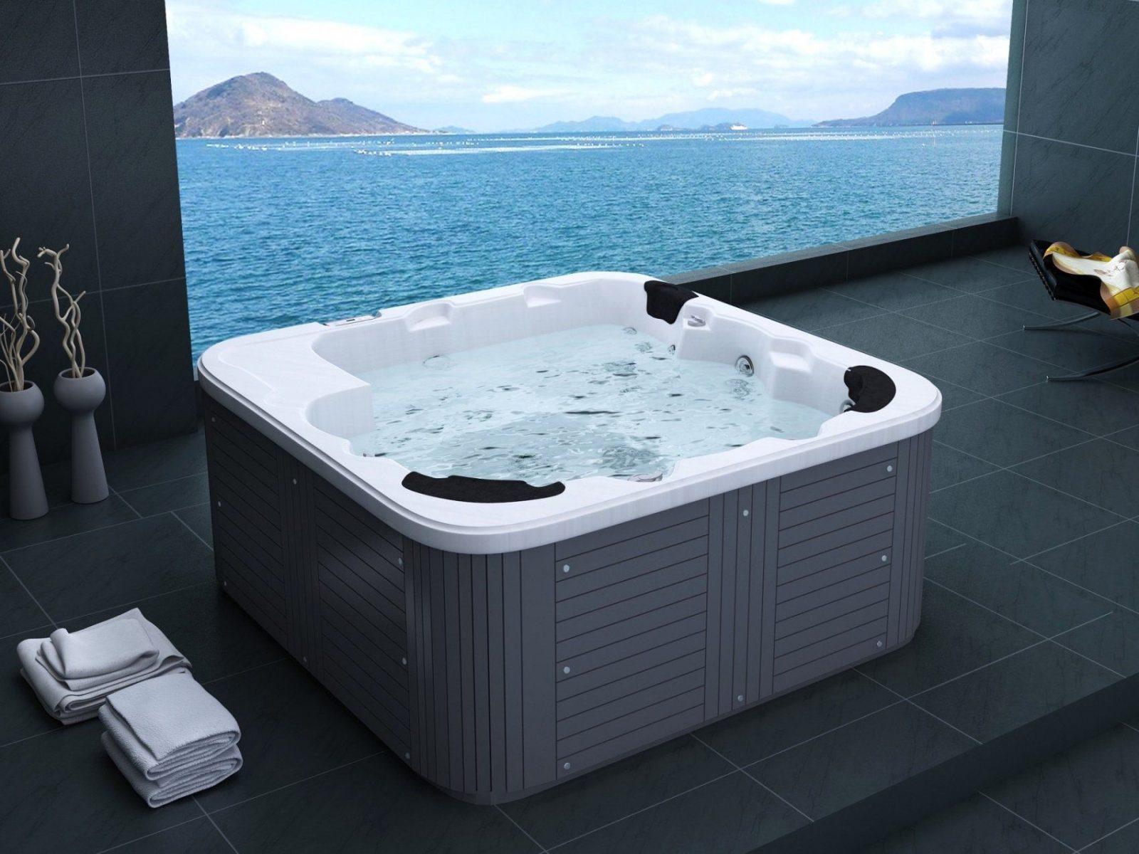 Luxus Badezimmer Mit Entzückend Badezimmer Mit Whirlpool  Wohndesign von Luxus Badezimmer Mit Whirlpool Bild