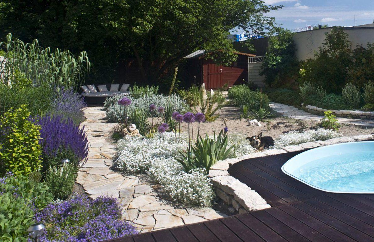 Mediterraner Garten Mit Sandfläche Und Polygonalplattenweg  Garten von Mediterraner Garten Mit Kies Bild