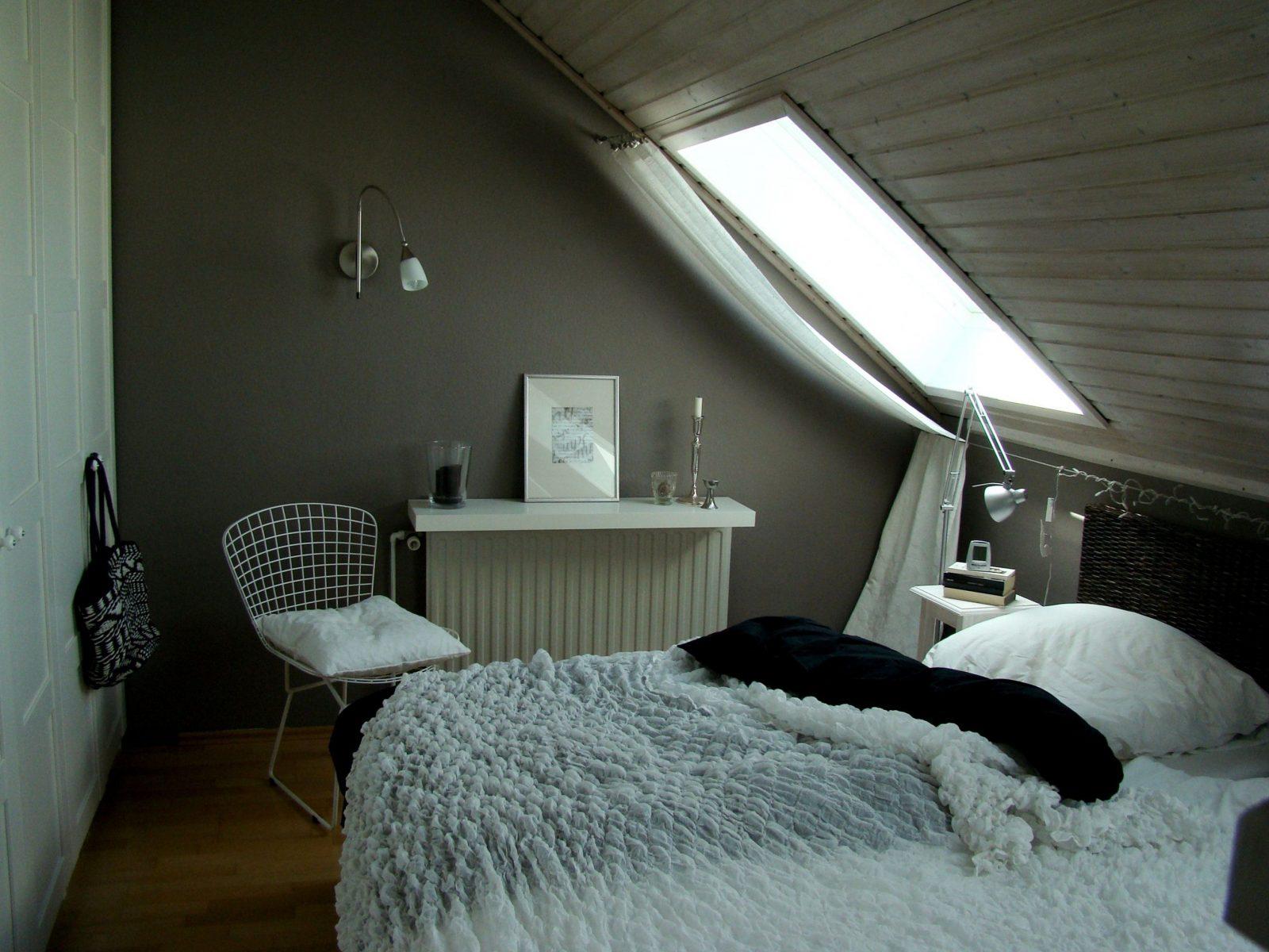Mein Schlafzimmer  Schlafzimmer Mit Dachschräge Dachschräge Und von Schlafzimmer Ideen Wandgestaltung Dachschräge Photo