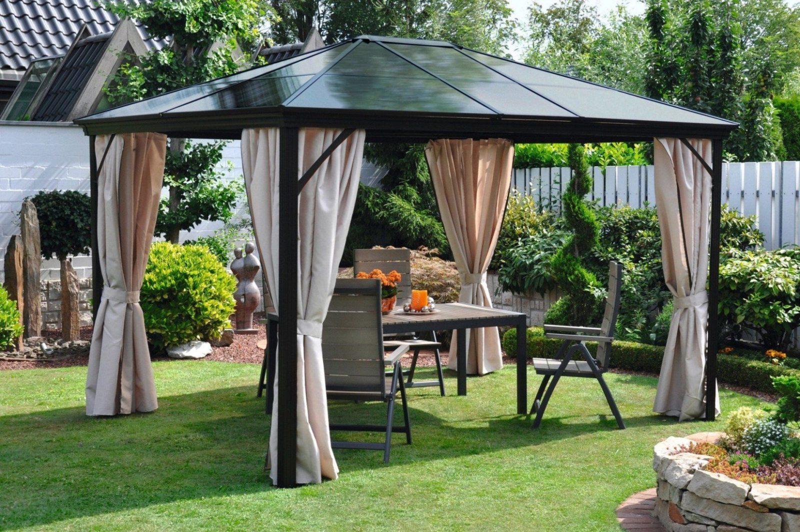 Metall Pavillon Mit Festem Dach von Metall Pavillon Mit Festem Dach Photo