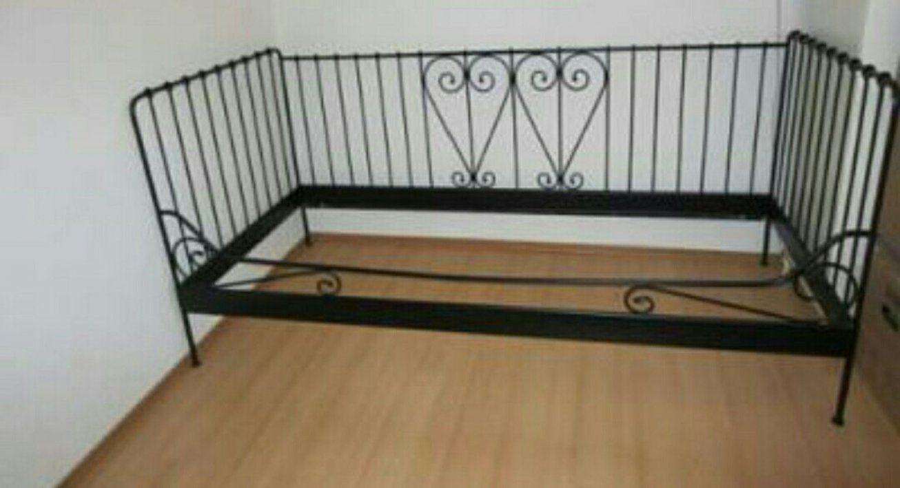 ikea metallbett schwarz 90x200 haus design ideen. Black Bedroom Furniture Sets. Home Design Ideas