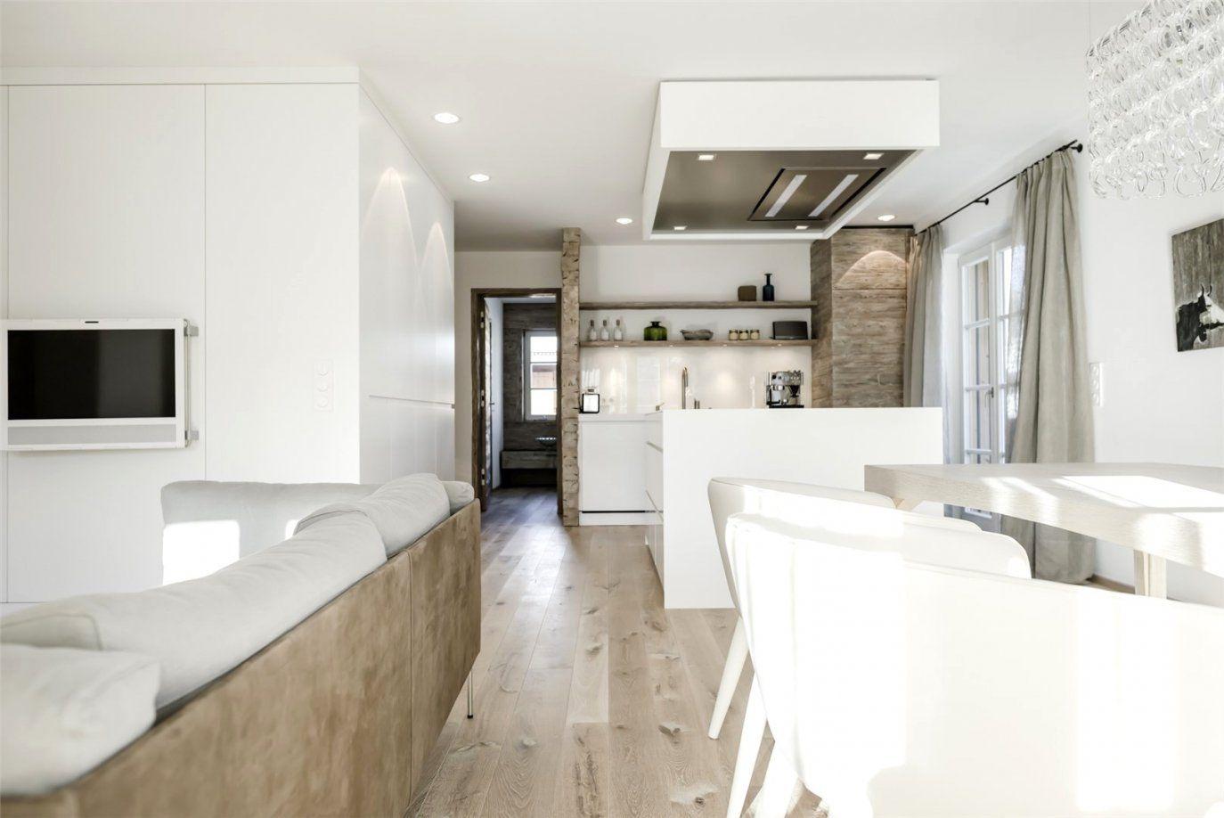 moderne wohnzimmer mit offener k che haus design ideen. Black Bedroom Furniture Sets. Home Design Ideas