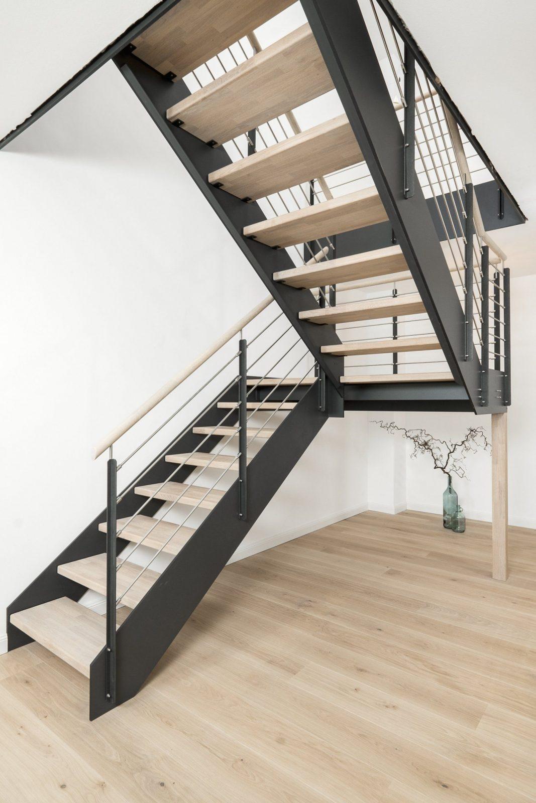 Moderne Treppe Aus Polen von Treppen Kaufen In Polen Bild
