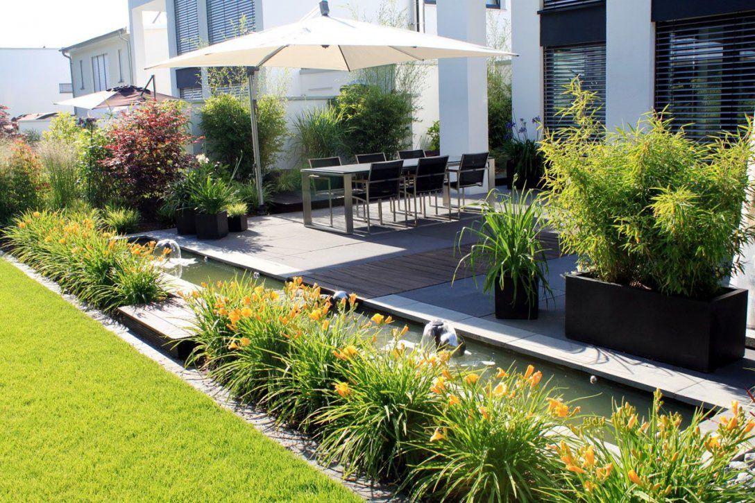 Moderner Garten Terrasse Teich Grün Holz  Moderner Garten von Moderne Gärten Und Terrassen Bild