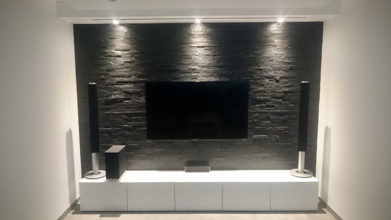 Multimedia Wohnzimmer Mit Naturstein Verblender Selber Bauen von Tv Wand Selber Bauen Rigips Photo