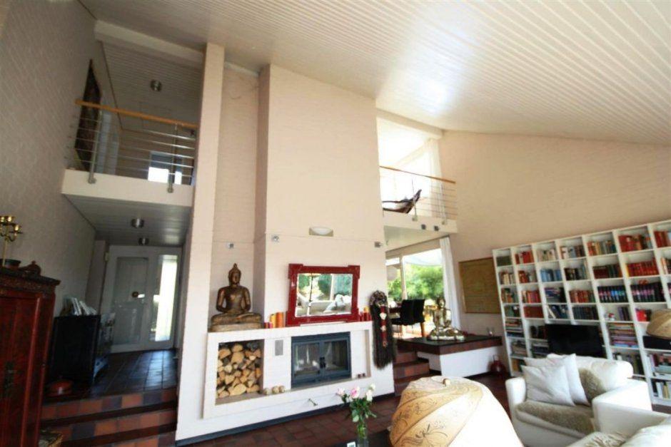 Haus Mit Galerie Im Wohnzimmer – Interior Design Ideen Architektur ...