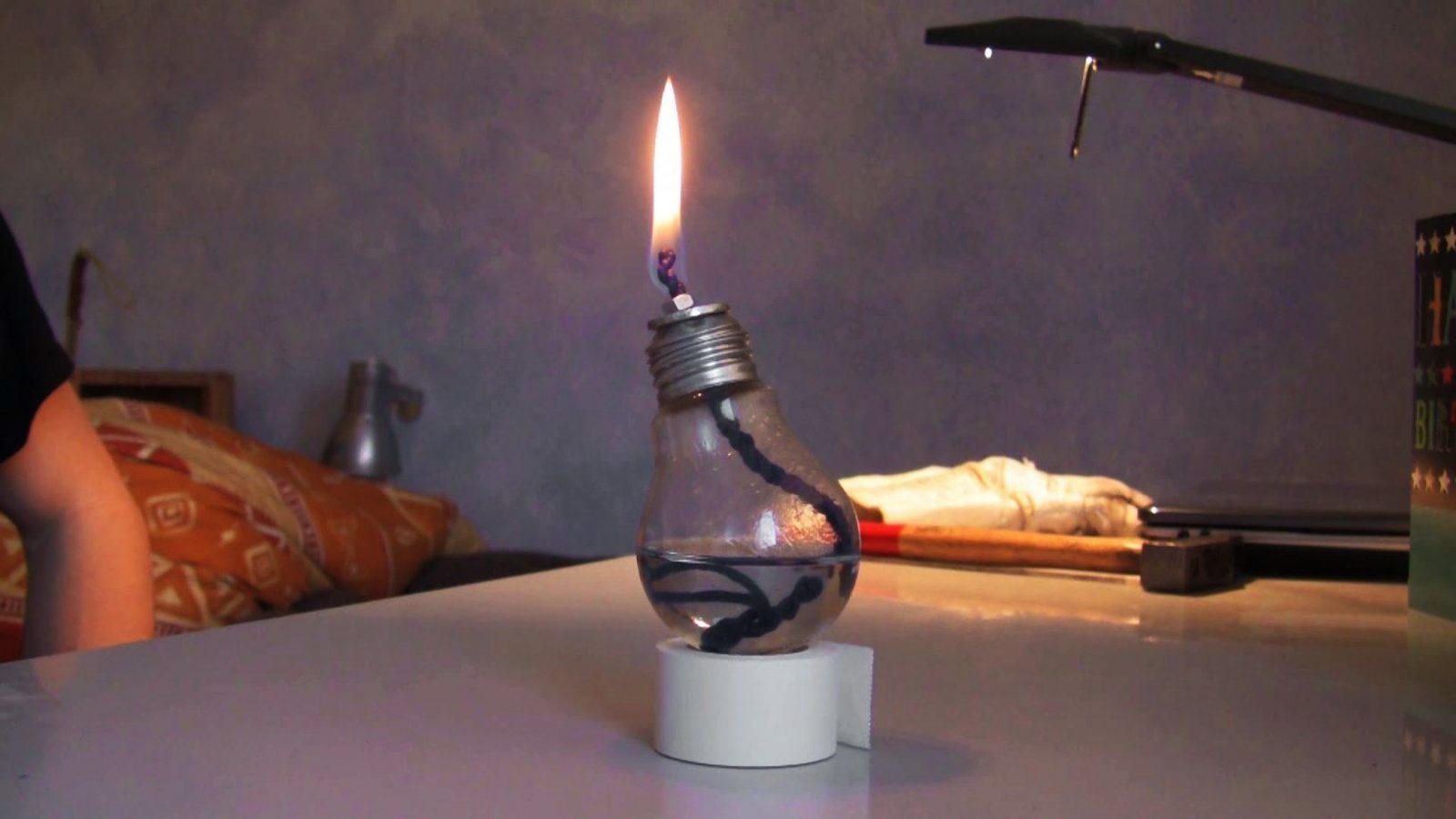Öllampe Selber Machen Ganz Einfach  Youtube von Glühbirne Lampe Selber Machen Bild