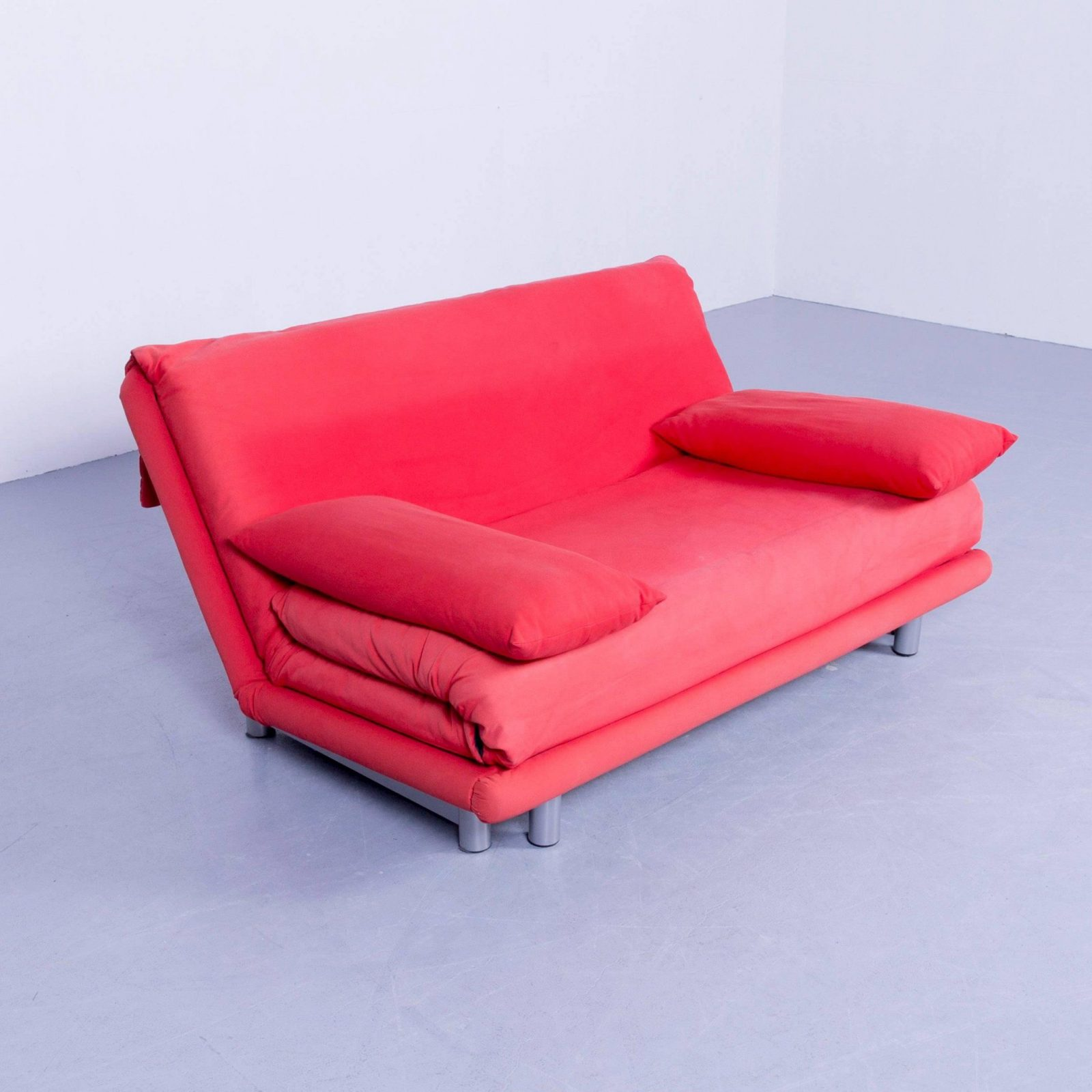 Original Ligne Roset Multy Cloth Sleeping Couch Red Twoseat von Ligne Roset Schlafsofa Multy Bild