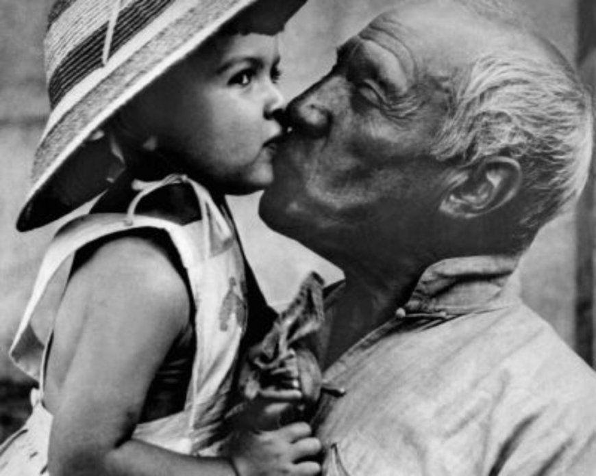 Paloma Feiert Picassos Taube Wird 60  Panorama  Zeitungsverlag von Paloma Picasso Bettwäsche Bild