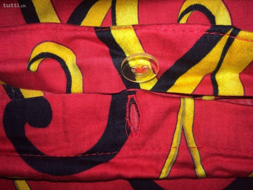 Paloma Picasso Bettwäsche 2 Garnituren Rot Schwarz Gelb In Solothurn von Paloma Picasso Bettwäsche Bild