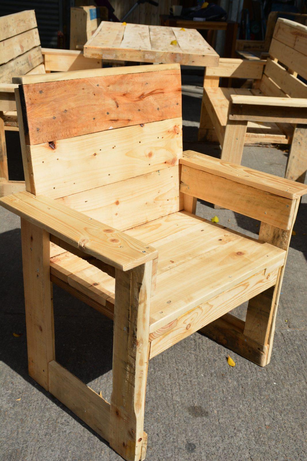 Pin Von Wood Art Studio Auf Outdoor Pallet Wood Furniture von Sessel Aus Europaletten Bauen Bild