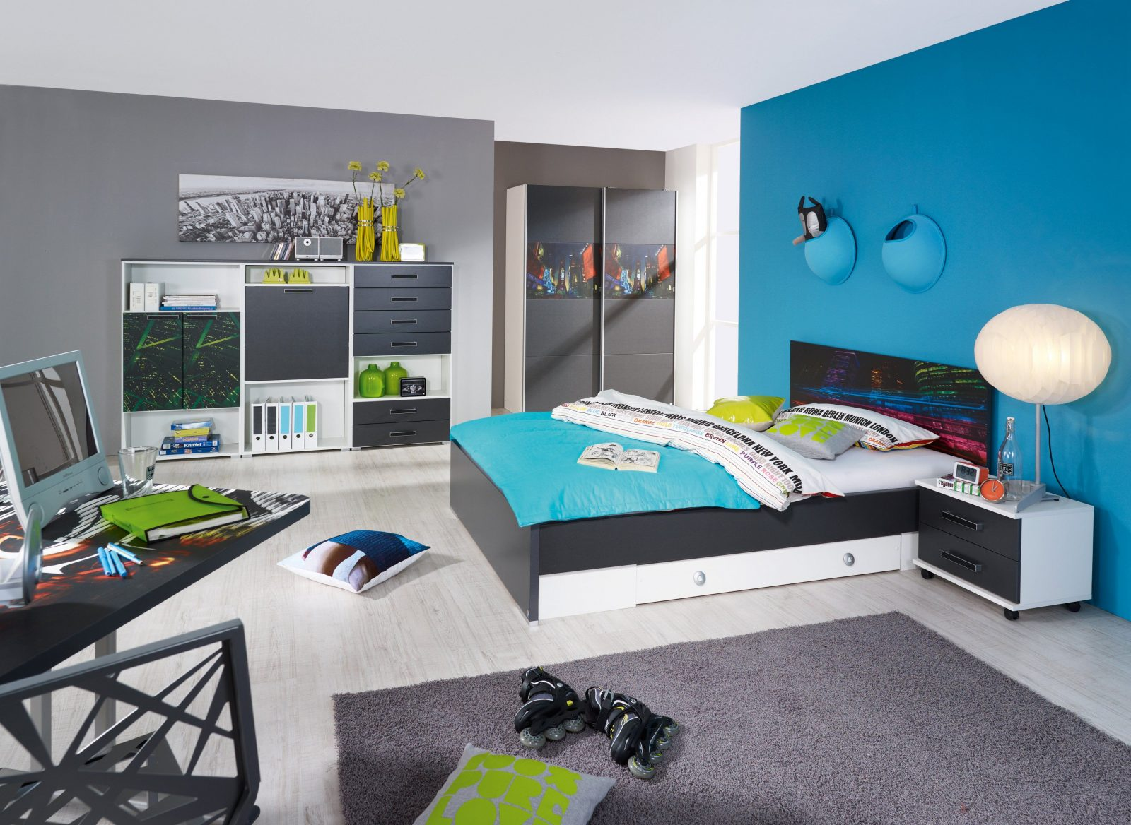 jugendzimmer f r 2 jungs haus design ideen. Black Bedroom Furniture Sets. Home Design Ideas