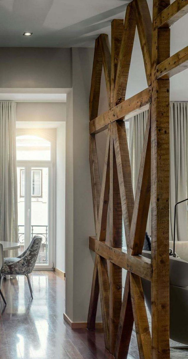 Raumteilerideenmassivholzalthotzdielen (Diy Bar Apartment)  Diy von Fachwerk Raumteiler Selber Bauen Bild