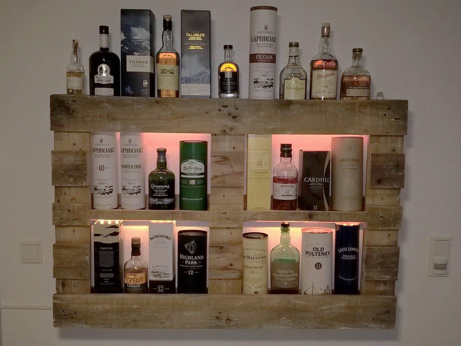 Led Flaschen Beleuchtung Selber Bauen : regal mit led beleuchtung selber bauen mit whiskyregal whisky von wandregal aus paletten selber ~ Watch28wear.com Haus und Dekorationen