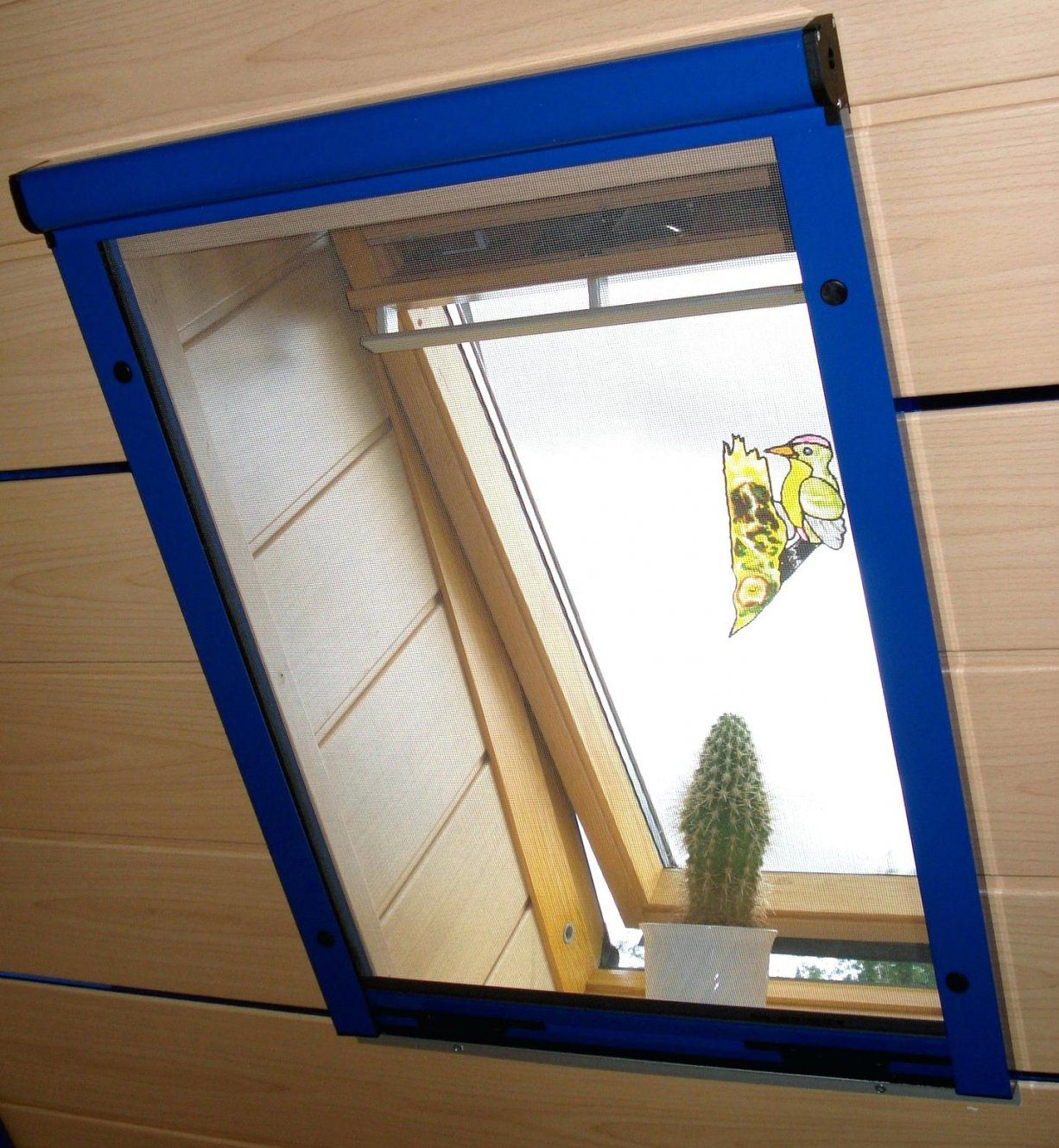 Rollos Fur Dachfenster Plissee Ohne Bohren Selber Nahen Rollo Roto von Roto Dachfenster Plissee Ohne Bohren Bild