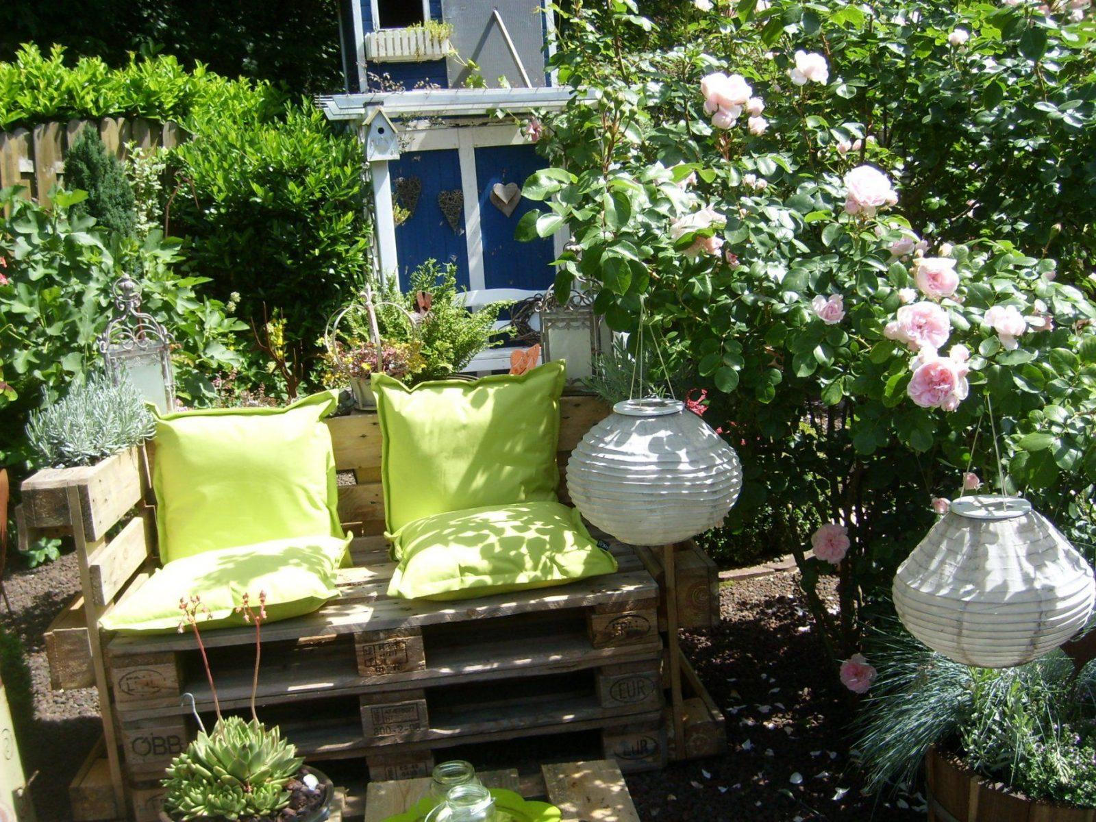 Romantische Sitzecken Im Garten  Haloring von Sitzecken Im Garten Bilder Photo