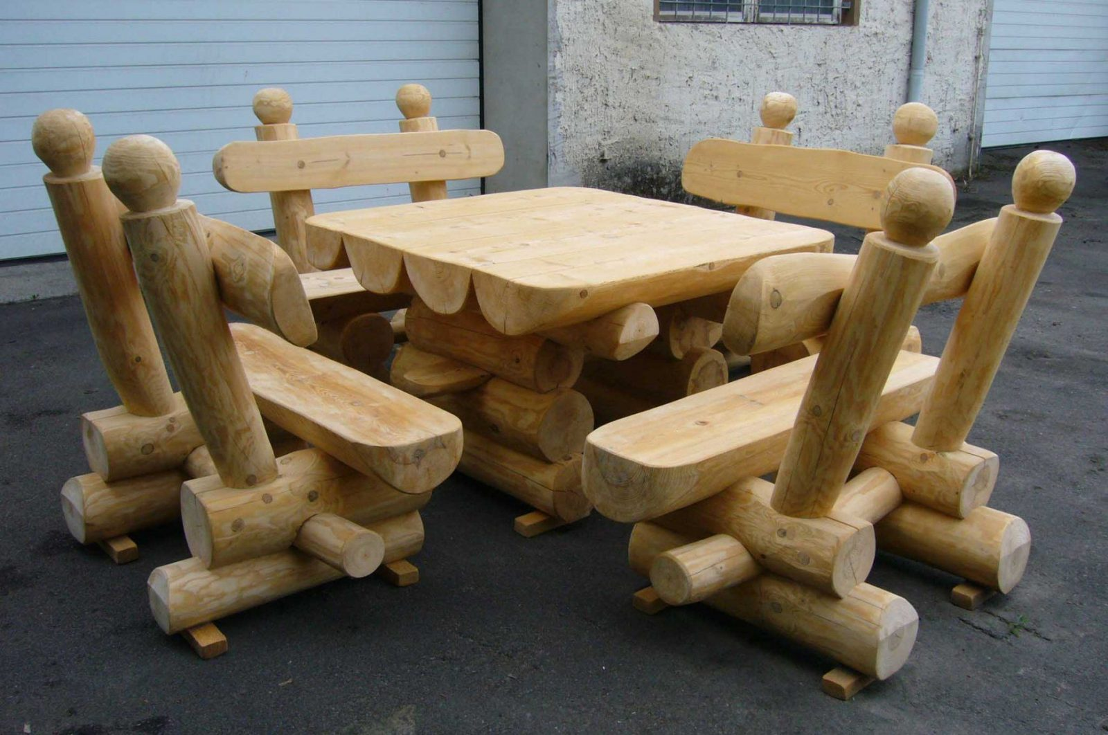 Rustikale Holzbanke Aus Polen – Siddhimind von Rustikale Holz Gartenmöbel Aus Polen Photo