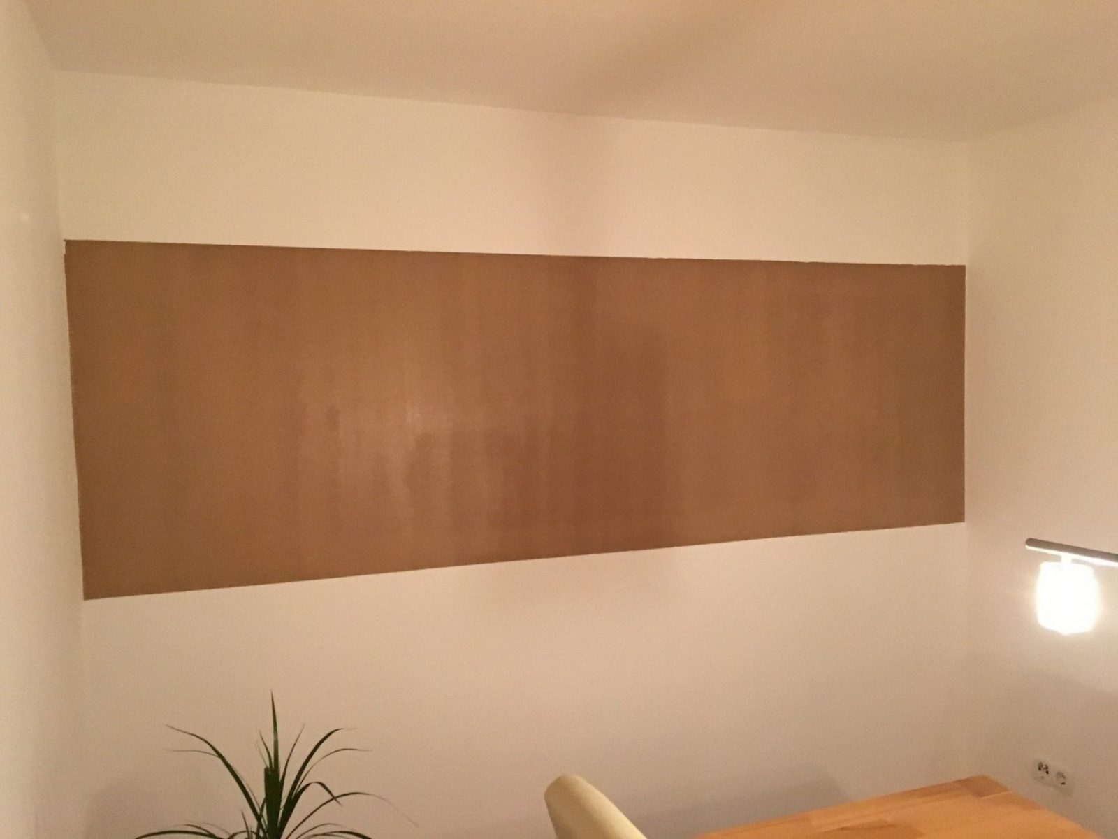 Saubere Kanten Bei Zweifarbiger Wand Streichen  So Geht Es von Wand Streichen Streifen Abkleben Photo