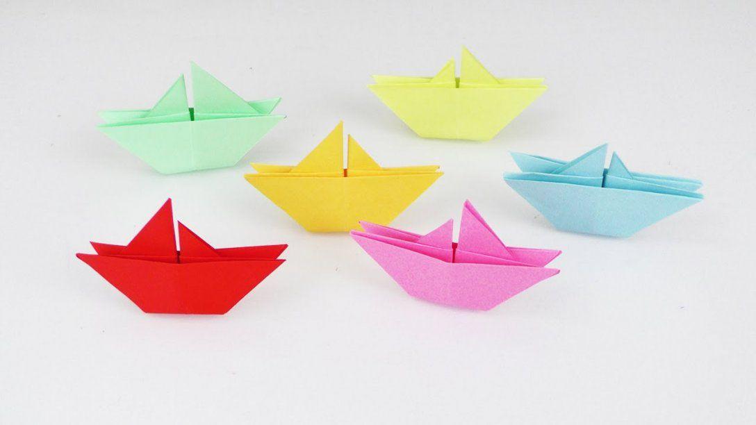 Schiffe Falten Mit Kindern  Super Einfache Anleitung Für Coole Deko von Boote Basteln Mit Kindern Bild